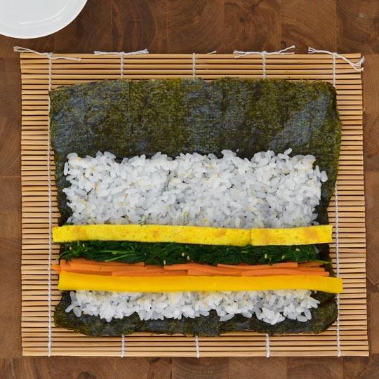 cách làm cơm cuộn đơn giản tại nhà-5