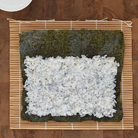 cách làm cơm cuộn đơn giản tại nhà-4