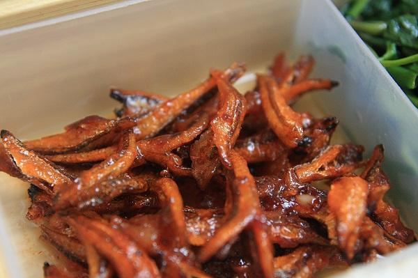 Cách làm cá khô sốt cà chua