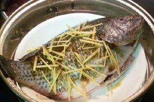 cá rô phi hấp xì dầu-3