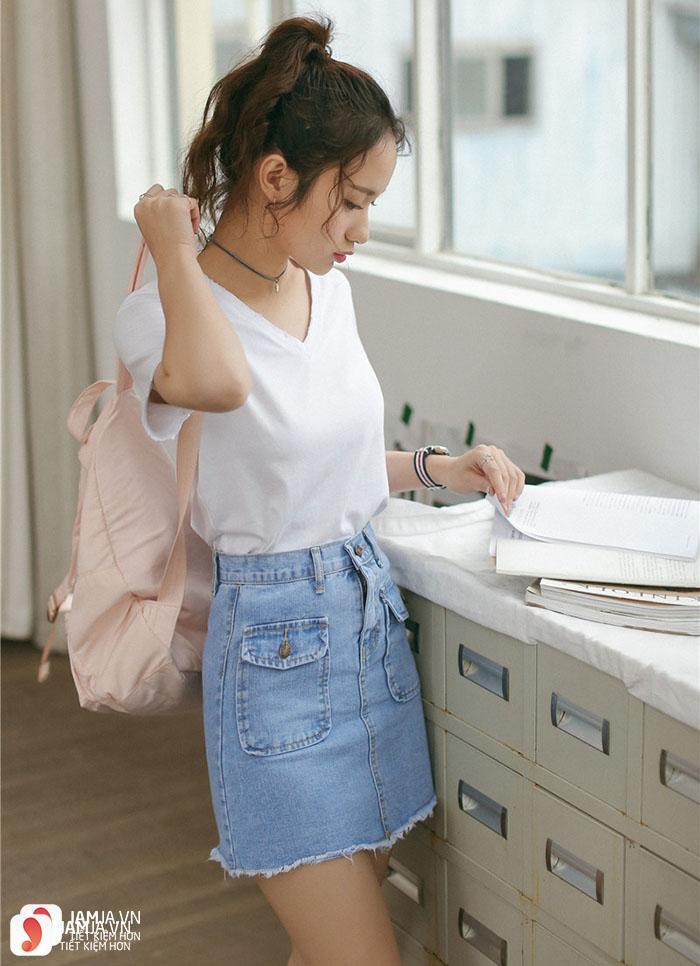 Chân váy Jeans mix cùng áo phông trơn