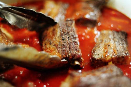 cách làm cá khô sốt cà chua 3