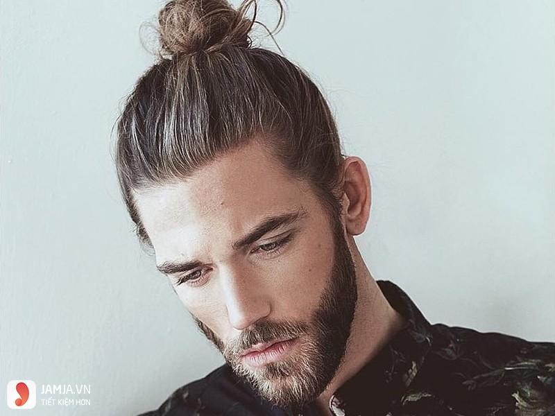 Tóc dài búi sau gáy - 1