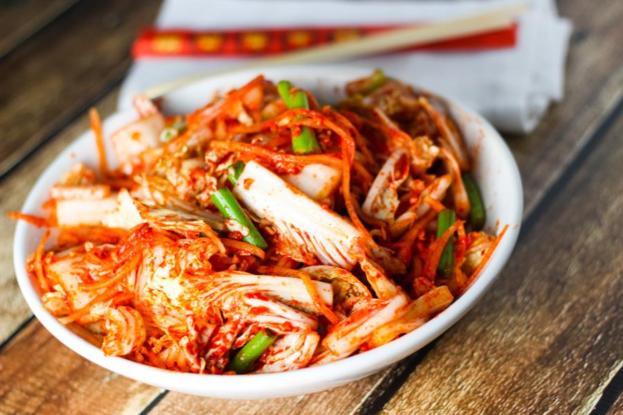 Cách nấu lẩu kim chi hải sản 3