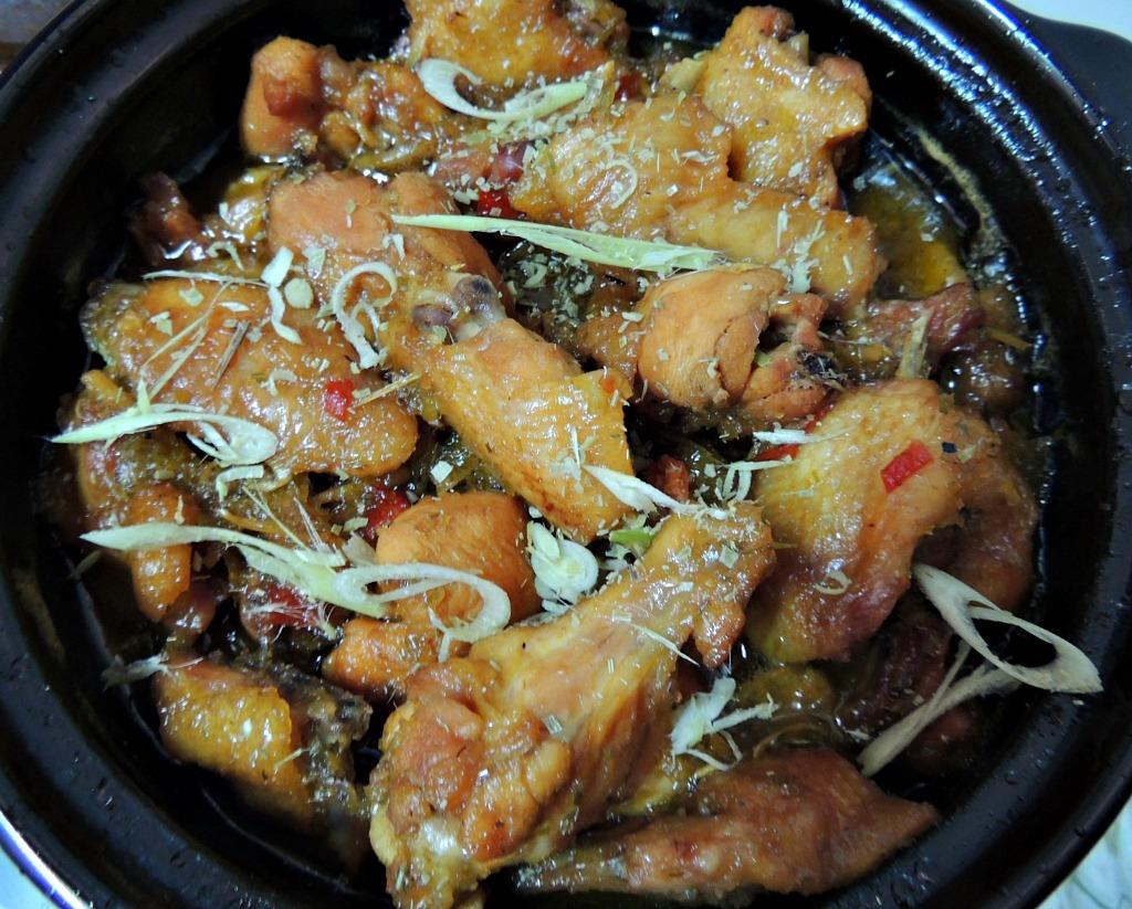 cách kho thịt gà sả ớt