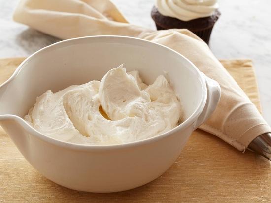 Cách làm kem bánh sinh nhật bằng sữa tươi