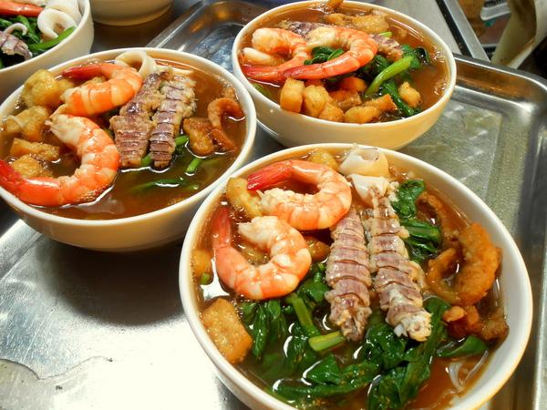 Cách nấu bún hải sản ngon đúng điệu