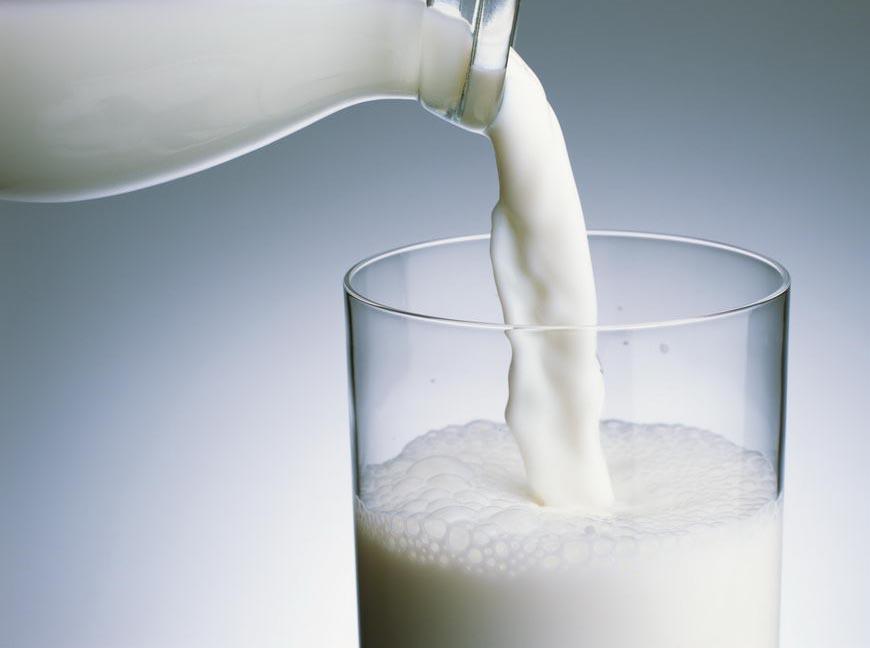 Rửa mặt bằng sữa tươi có đường -nên hay không-1