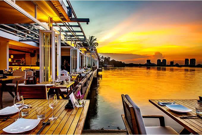 Nhà hàng The Deck SaiGon-Quán ăn lãng mạn cho 2 người ở Sài Gòn