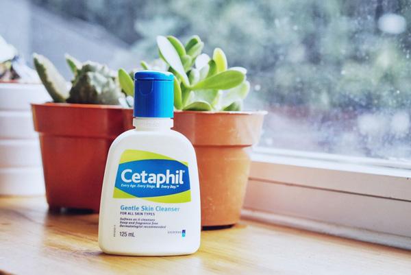 Sữa rửa mặt Cetaphil có tác dụng gì 3