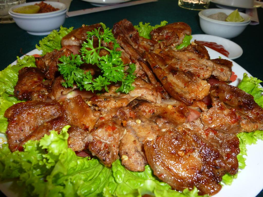 Thịt lợn rừng nướng ngũ vị