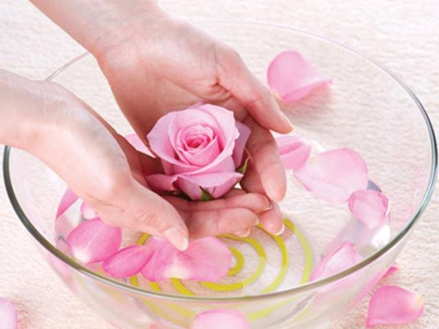Tác dụng của nước hoa hồng-4