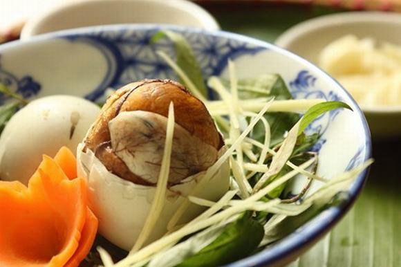 Ăn trứng vịt lộn có béo không