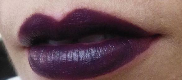 Rimel Kate Moss Lasting Finish Lipstick màu 04