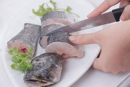 Cá lóc kho tộ miền Trung-5