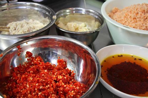 Cách làm sa tế cho bánh tráng-1