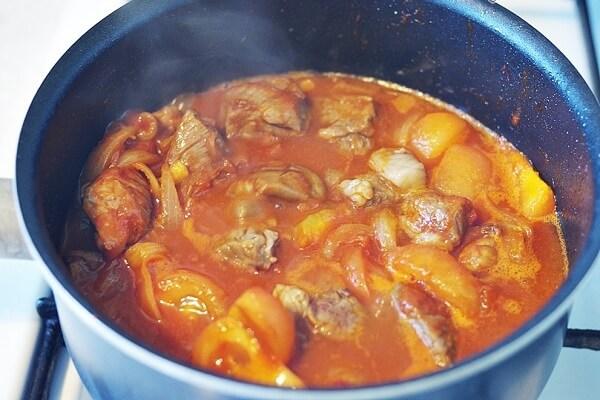 Cách nấu món thịt bò nấu sốt vang kiểu Pháp cùng rượu-4