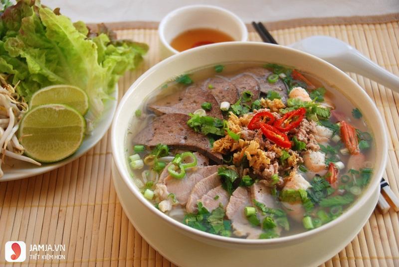 Giá trị dinh dưỡng trong món hủ tiếu giò heo-1