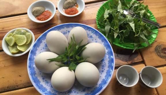 Cách nấu lẩu cua đồng hột vịt lộn - 2
