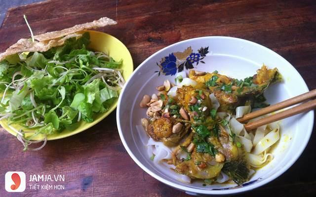 cách nấu mì Quảng cá lóc-1