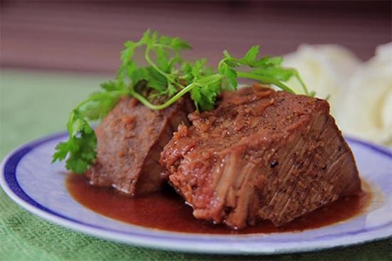 cách nấu thịt hộp miền trung