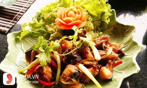 Cách nấu thịt thỏ xào dừa-2