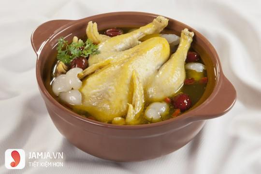 Cách làm gà hầm hạt sen thơm ngon, bổ dưỡng