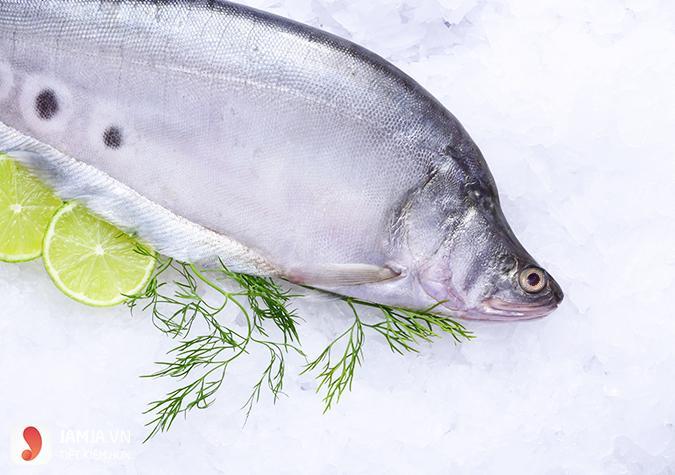 Cách nấu lẩu nấm cá thác lác thơm ngon tất niên ấm cúng