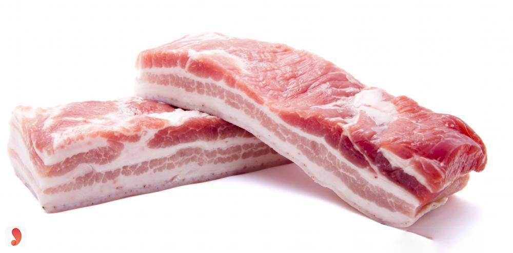 thịt ba chỉ sốt vang trắng