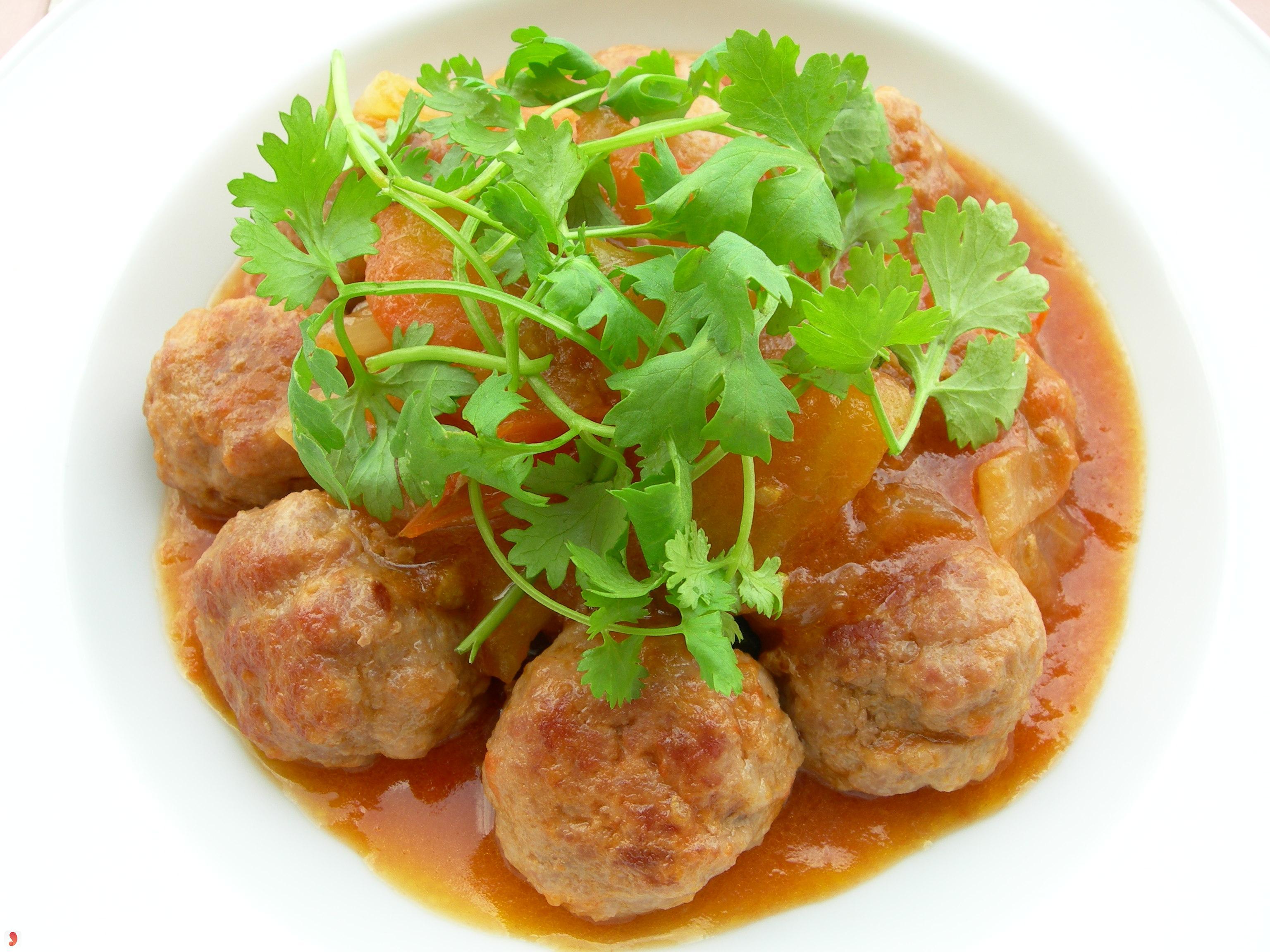 Thịt băm viên rán sốt cà chua-2