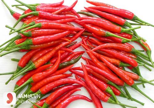 Công dụng hữu ích của món ớt ngâm với nước mắm 2