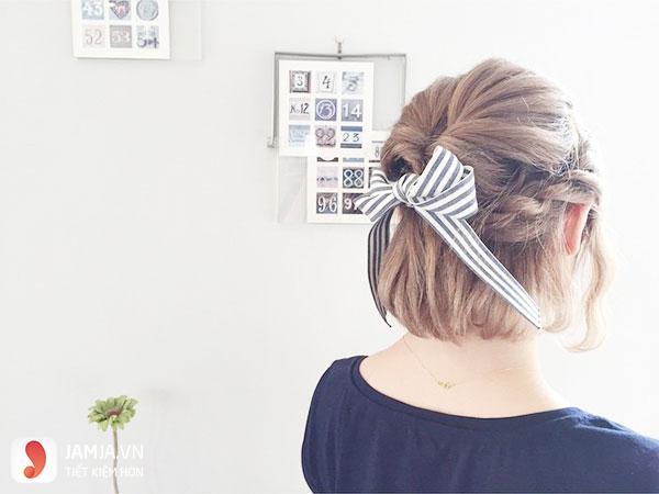 kiểu tóc buộc ngắn nửa đầu