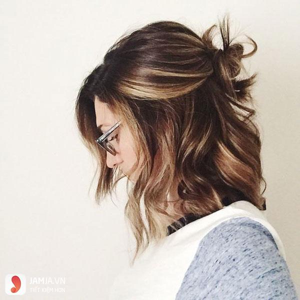 kiểu tóc buộc ngắn nửa đầu cá tính