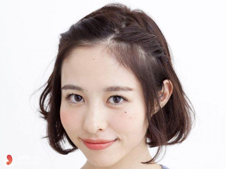các kiểu tóc buộc ngắn với kiểu Bện lệch mái
