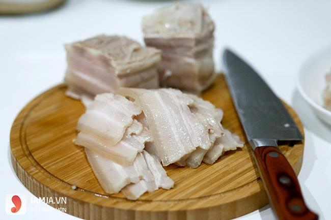 thịt heo luộc-món ngon rẻ tiền cho sinh viên