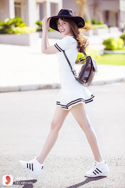 cách kết hợp giày thể thao với váy 28