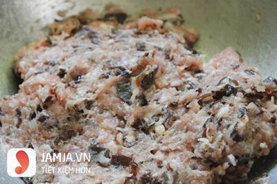 Cách làm mọc thịt với vỏ quất-