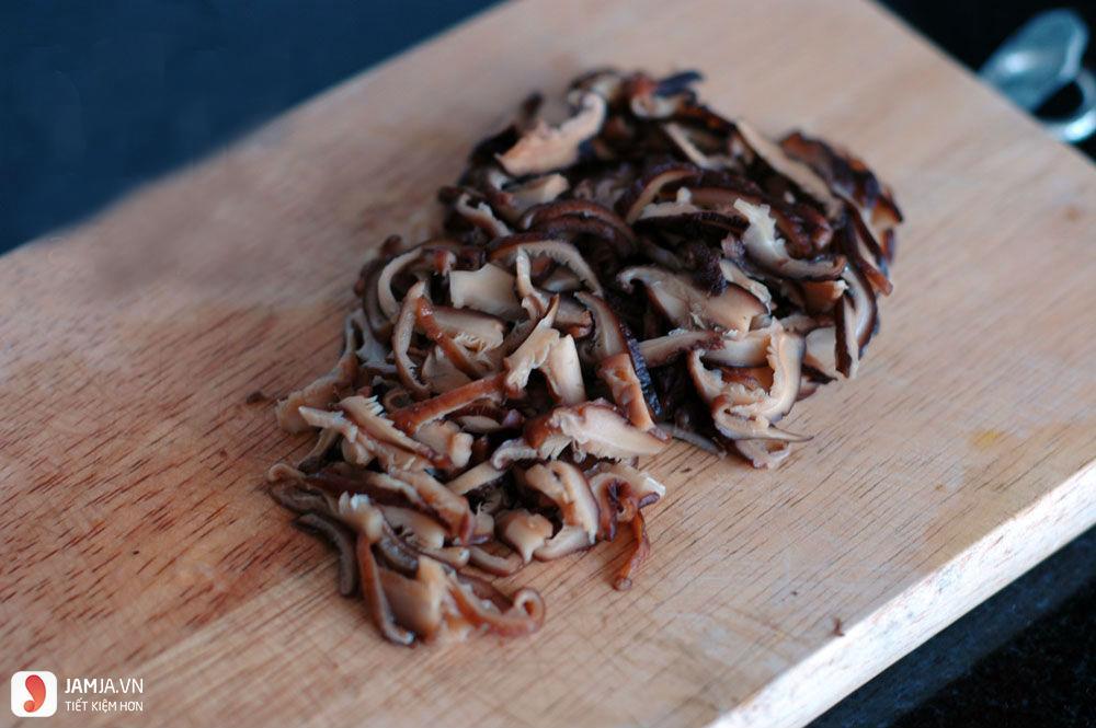Cách làm mọc thịt với vỏ quất-1