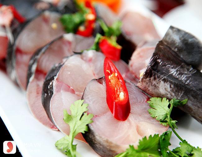 Cách làm cá lăng om chuối đậu 2