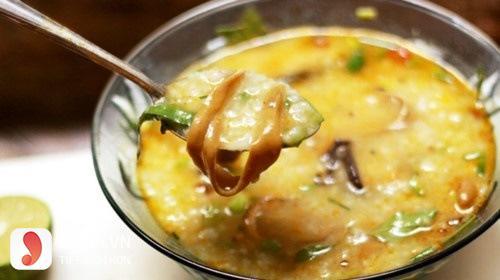 Cách nấu cháo lươn nấu với cà rốt-1