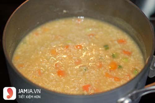 Cách nấu cháo lươn nấu với cà rốt-7