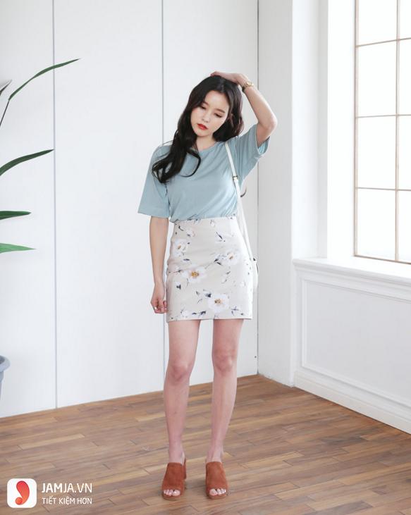 Chân váy ôm kết hợp áo phông