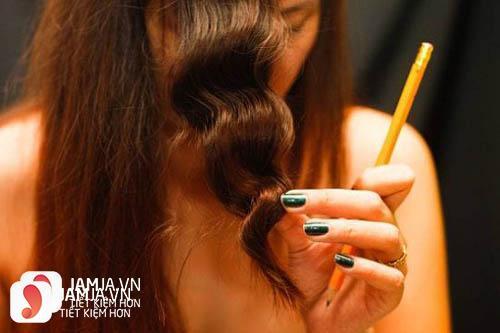 Làm tóc xoăn bằng bút chì