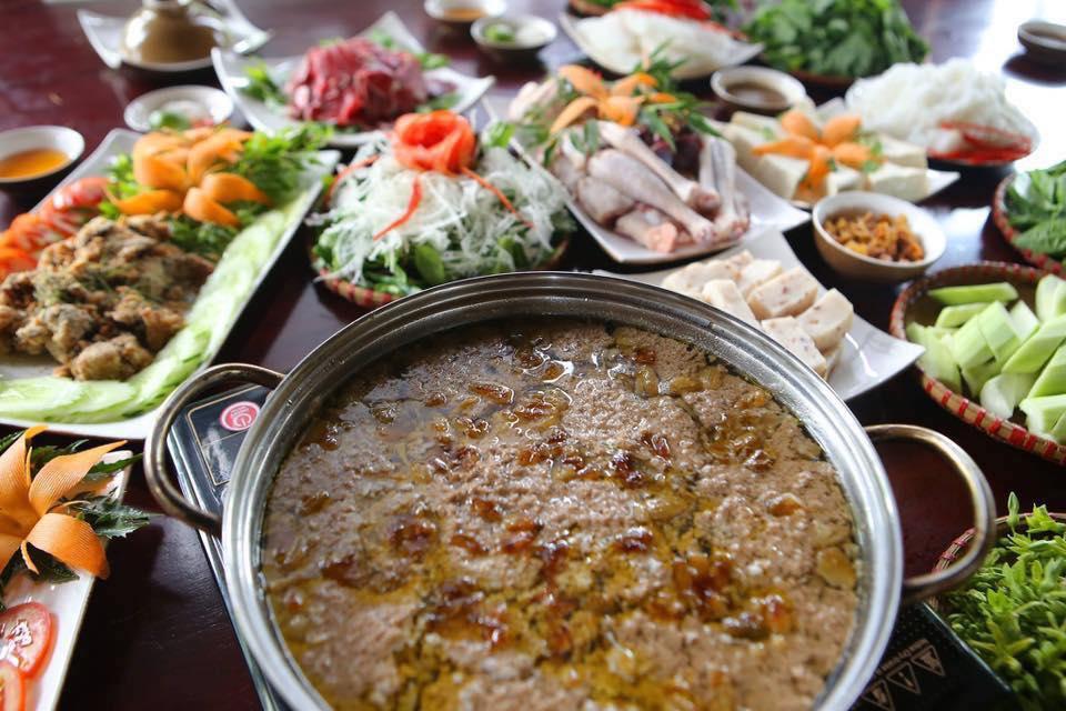Nhà hàng Lã Vọng lẩu riêu cua