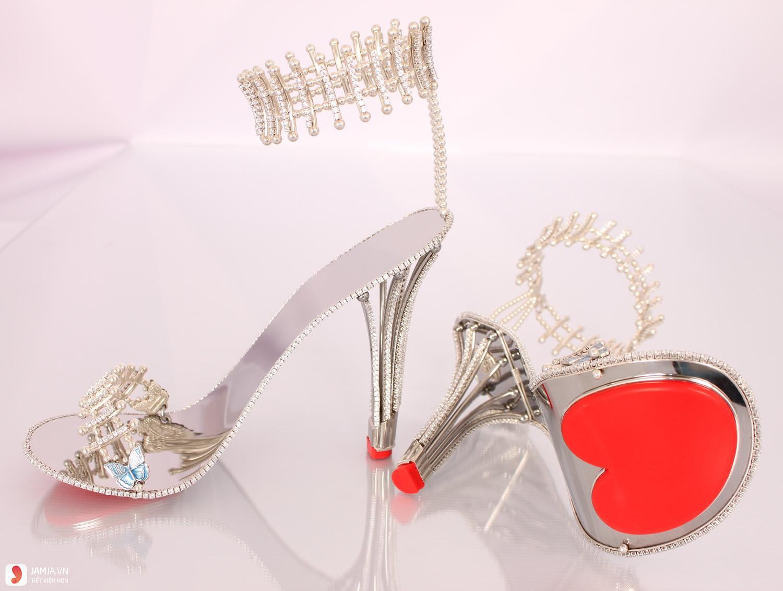 những đôi giày cao gót đẹp nhất thế giới-Diamond Pricess Constallation