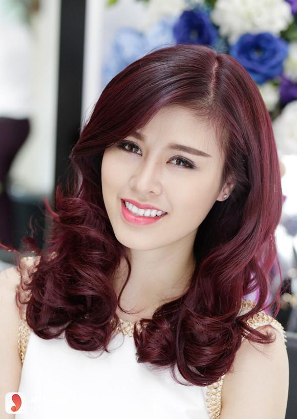 Màu tóc đỏ ánh tím HOT như thế nào2