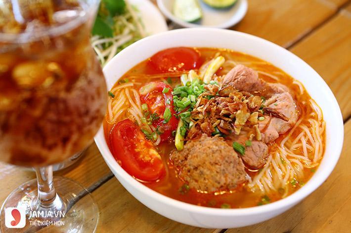 Quán ăn ngon ở Hà Nội vào buổi tối 3