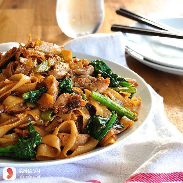 Quán ăn ngon ở Hà Nội vào buổi tối-phở xào