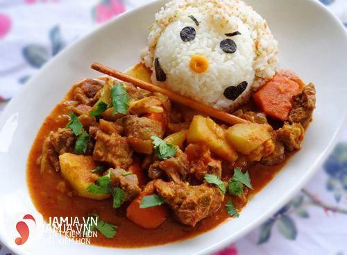 Thưởng thức cà ri bò khoai tây