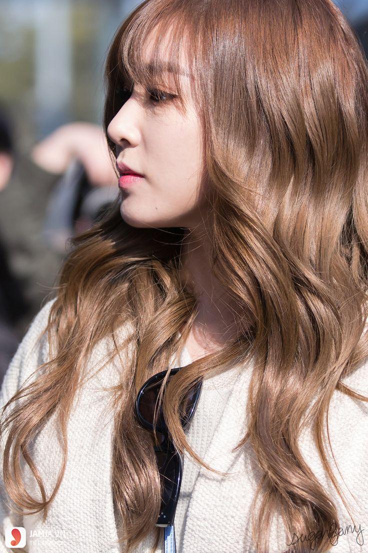 Nhuộm tóc nâu vàng sáng
